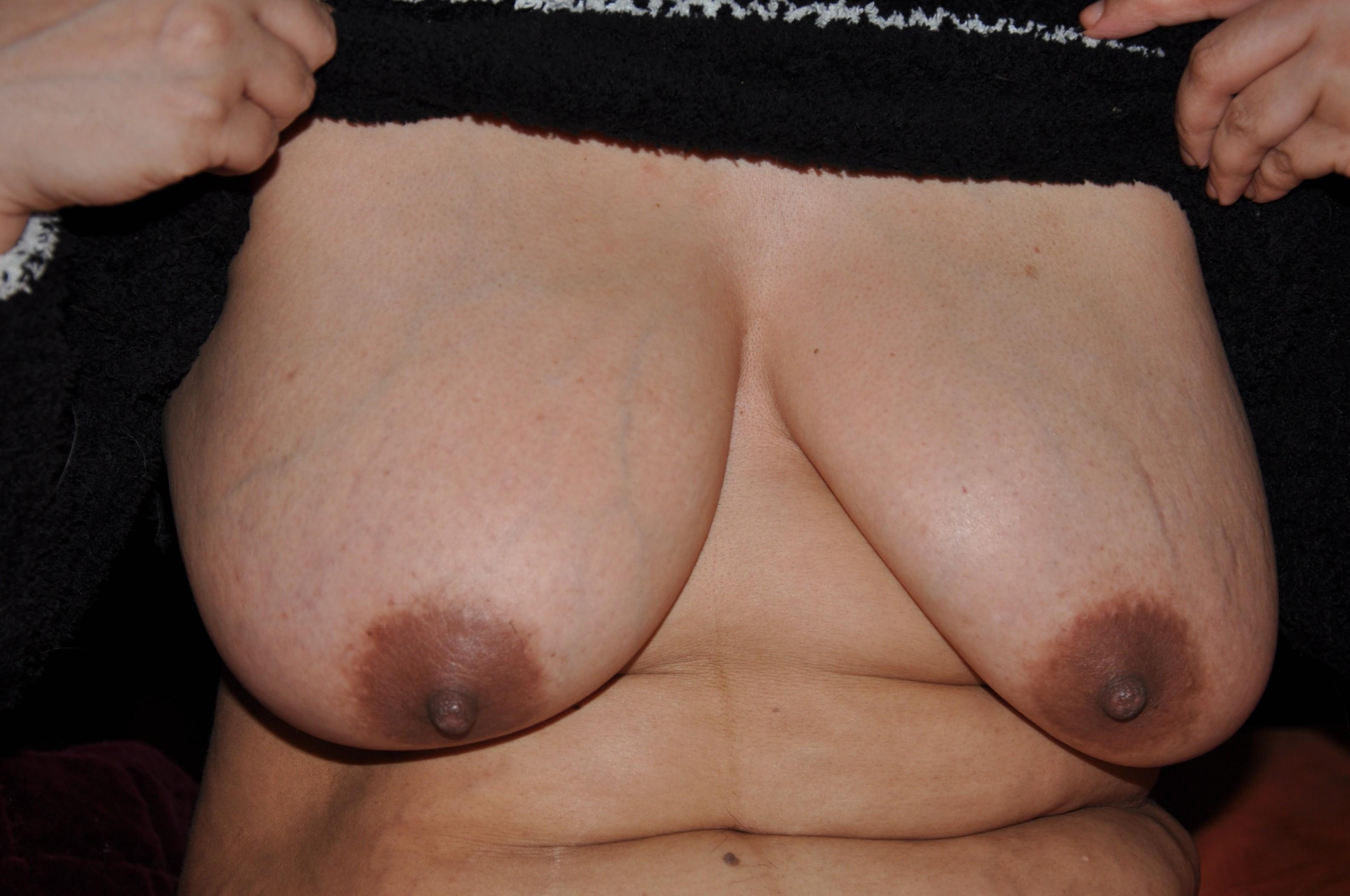 beautiful latin wife pregnant tits