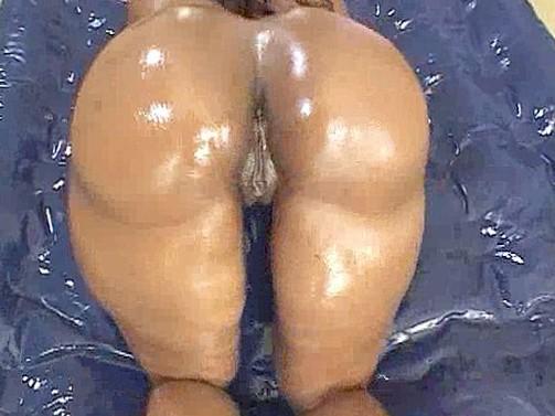 Oilid beauty ass Cherokee D Ass