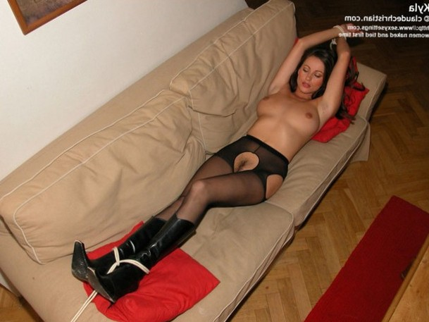 Babe tied up in boots and nylons