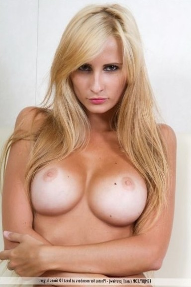 A blonde babe shows off her amazing big breasts | Supersize Boobs - Big Tits